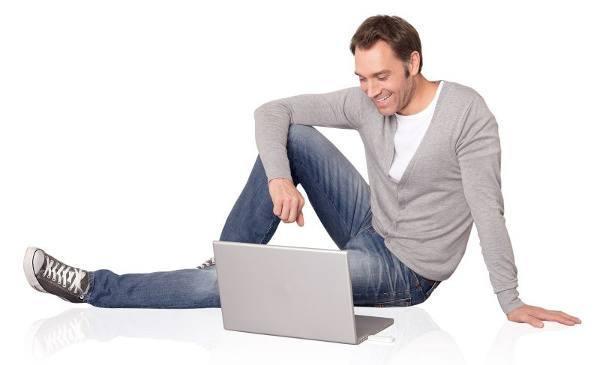 Im Tchibo Netz mit einem Surfstick und Laptop mobil Surfen (Bildquelle: Tchibo)
